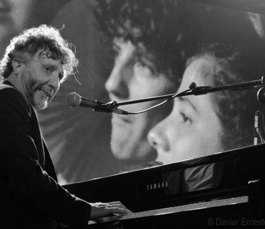 Fito Paez durante el concierto de clausura en el Festival Internacional de Cine de Gibara. Foto Danier Ernesto González